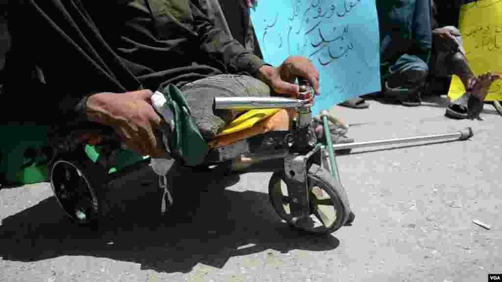 ترقی پذیر ممالک میں معذور افراد کے لیے سہولتیں تقریباً نہ ہونے کے برابر ہیں۔
