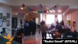 حمله مقامات جمهوری آذربایجان به دفتر رادیو اروپای آزاد/رادیو آزادی