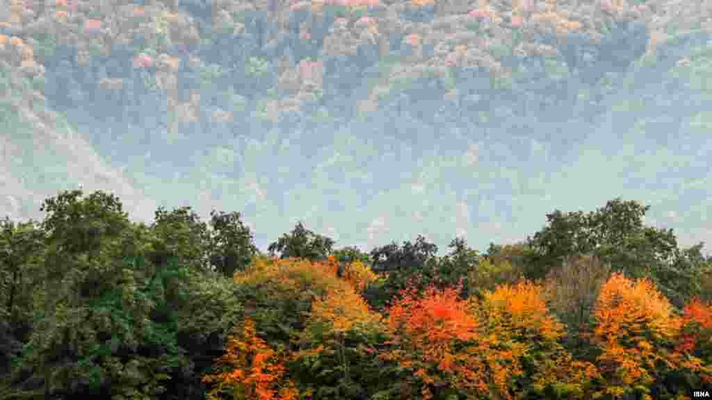 پاییز آبشار کبودوال. این مکان دیدنی در علیآباد کَتول، یکی از شهرهای استان گلستان قرار دارد. عکس: مازیار محمدیون، ایسنا