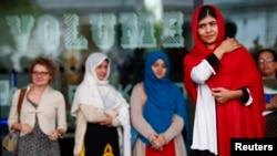 Buổi hội thảo The Next Malalas hay Những Malala kế tiếp được đặt tên theo thiếu nữ người Pakistan Malala Yousafzai, 15 tuổi, bị quân Taliban bắn trọng thương vào đầu cách đây một năm vì những nỗ lực cổ vũ đem giáo dục tới cho phụ nữ Pakistan