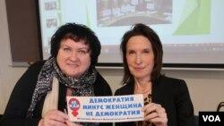 Надежда Ажгихина и Катрина ванден Хувел. Photo: Oleg Sulkin