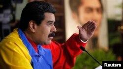 El presidente Nicolás Maduro habla durante una reunión de gabinete en Miraflores.