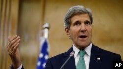 Menlu AS John Kerry dalam konferensi pers di Amman, Yordania (7/11).