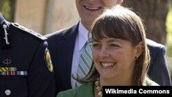 Jaksa Agung Australia Nicola Roxon mengumumkan pengunduran dirinya dari kabinet, Sabtu (2/2). (Foto: dok). Selain Roxon, Chris Evans juga mengumumkan pengunduran dirinya dari senat Australia dalam beberapa bulan mendatang.