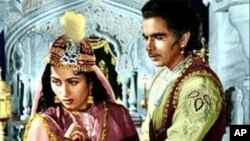 دلیپ کمار اور مدھوبالا فلم مغل اعظم میں