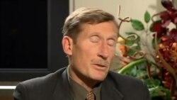 Interviste me ekspertin Duelfer per armet kimike