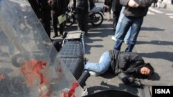 عکس آرشیوی از تصادف یک موتورسوار در تهران