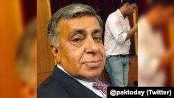 عارف نظامی انگریزی روزنامے 'پاکستان ٹوڈے' کے بانی و مدیر تھے۔