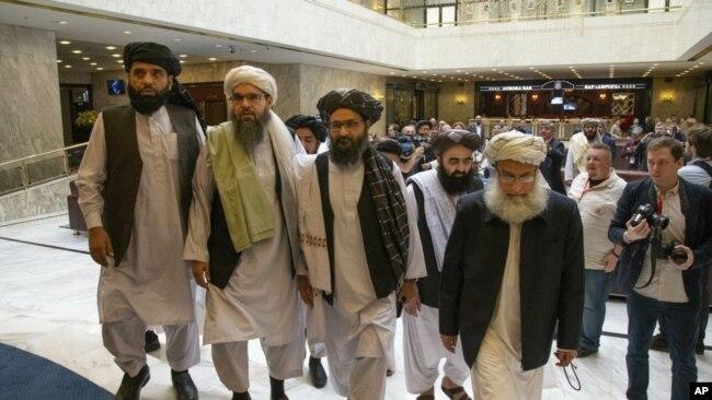 Phái đoàn Taliban do Mullah Abdul Ghani Baradar dẫn đầu trong một cuộc đàm phán ở Nga năm 2019.