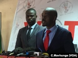 Nelson Chamisa, Zimbabwe's opposition leader, talking to reporters in Harare, Aug. 20, 2018.