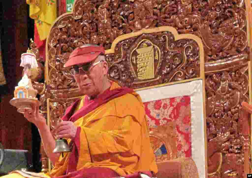 达赖喇嘛主持时轮金刚大法会