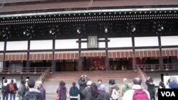 京都各大寺廟是吸引中國遊客的主要景點(美國之音歌籃拍攝)