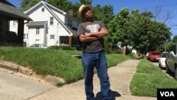 """Musisi AS, Mark """"Big Poppa"""" Stampley mengaku bahwa ia terinspirasi oleh Muhammad Ali (R. Taylor/VOA)"""
