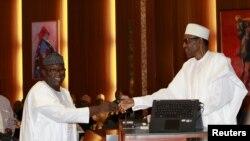 Kayode Fayemi avec Muhammadu Buhari à Auja, le 11 novembre 2015