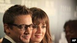 """Glumci Džeremi Rener i Rozmari Devit na njujorškoj premijeri filma """"Kill the Messenger"""""""