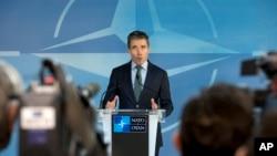 Tổng thư ký NATO Anders Fogh Rasmussen phát biểu trong cuộc họp báo tại trụ sở NATO ở Brussels, ngày 1/4/2014.