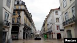 Imihanda irimo ubusa mu murwa mukuru wa Portugal Lisbone kubera kwirinda umugera wa corona.