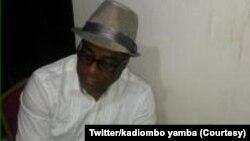 Comédien Mars Kadiombo Yamba, awa na photo ezami na compte Twitter na ye.