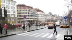 位於布拉格市中心的瓦茨拉夫廣場,是1968年布拉格之春和1989年天鵝絨革命的中心。