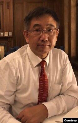 上海东亚研究所助理所長包承柯