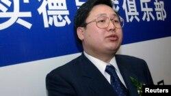 2002年1月17日大连商人、实德集团董事长徐明在北京。他后来被判刑。