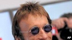 Ca sĩ Robin Gibb