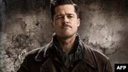 Brad Pitt là diễn viên điện ảnh và cũng là nhà hoạt động nhân đạo nổi tiếng về sự ủng hộ đối với nhiều tổ chức quốc tế
