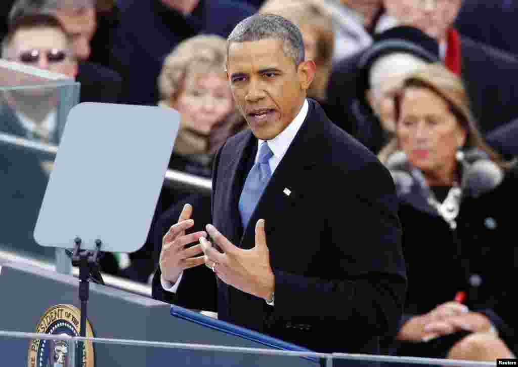바락 오바마 미국 대통령이 21일 워싱턴 국회의사당에서 열린 2기 취임식에서 취임연설을 하고 있다.
