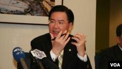 台灣民進黨駐美代表吳釗燮(美國之音 鍾辰芳攝)