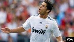 """Ronaldo llega a 25 goles en la Liga y suma 32 dianas en todos los torneos en su primera temporada como """"merengue""""."""