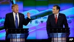 지난 2월 미 텍사스 휴스턴에서 열린 공화당 대통령 후보 토론회에 나선 도널드 트럼프 후보(왼쪽)와 테드 크루즈 상원의원. (자료사진)