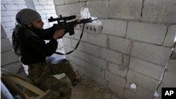 عکس آرشیف - نشانزن اردوی سوریه آزاد