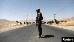 سرباز افغان در غزنی (عکس از آرشیف)