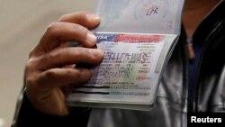 یک شهروند یمنی که در دور قبل صدور فرمان اجرایی رئیس جمهوری آمریکا اجازه سفر به آمریکا را نیافت