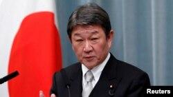 Ngoại trưởng Nhật Bản Toshimitsu Motegi, trong bức ảnh chụp tại một cuộc họp báo ở Tokyo hôm 11/9/2019, mới thông báo rằng Nhật sẽ tặng thêm cho Việt Nam 1 triệu liều vaccine AstraZeneca để chống dịch COVID-19.