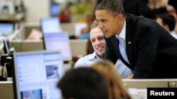 El campeón en este género es el actual presidente y candidato demócrata Barack Obama quien tiene unos 18.749.453 seguidores.