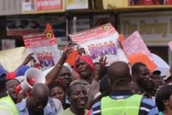 Zimbabwe's Civil Servants Anxiously Await Promised Salaries