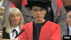 Aung San Su Ći dodeljena je počasna diploma Oksfordskog univerziteta.