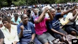 (File) Striking civil servants attending a rally in Harare.