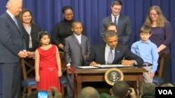 奧巴馬總統簽署槍支管制議案