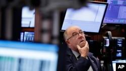 En la semana, el S&P 500 ganó un 2,5 por ciento, mientras que el Dow Jones y el Nasdaq subieron un 2,4 y un 3,4 por ciento respectivamente.