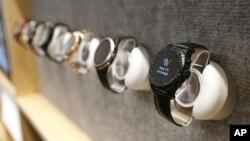 اندرویدهای پوشیدنی در نمایشگاه بین المللی CES - لاس وگاس، ۸ ژانویه ۲۰۱۹