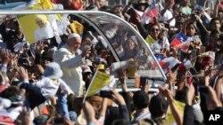 Papa Francis agiye guhimbaza inkuka y'imisa i Temuco, muri Chili, italiki 17 ukwezi kwa mbere, 2018.