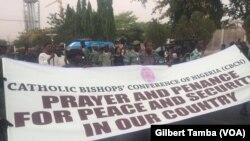 La marche de la conference des eveques du Nigeria, à Abuja, le 1er mars 2020. (VOA/Gilbert Tamba)
