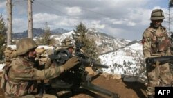 Binh sĩ Pakistan canh phòng trong khu vực bộ tộc ở Bắc Waziristan