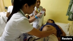 HIV bisa menular dari ibu hamil kepada bayinya jika si ibu tidak konsumsi antiretroviral.