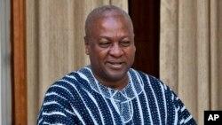 Shugaban Ghana John Dramani Mahama da yake fuskantar kalubale daga 'yan adawa