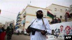 Pripadnik libijskih pobunjenika