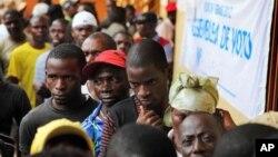 Assembleia de voto em Luanda