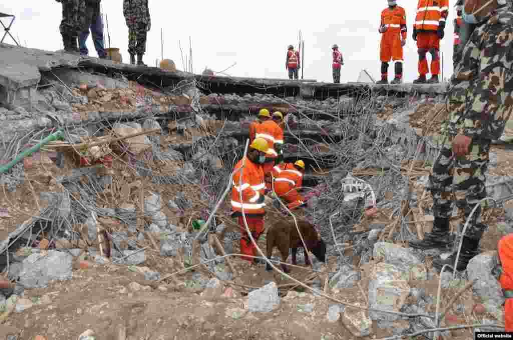 زلزلے سے دارالحکومت کٹھمنڈو اور اس کے گردو نواح میں شدید تباہی ہوئی۔